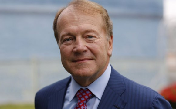 The 14 longest serving CEOs of